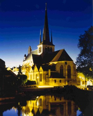 Eglise_by_night